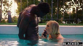BLACKED Hot Blonde Secretly Fucks Her Roommate'_s BF