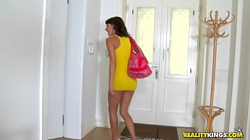 realitykings - mikes room - throating.