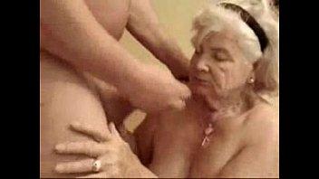 very aged fuckslut still enjoys fuck-fest.