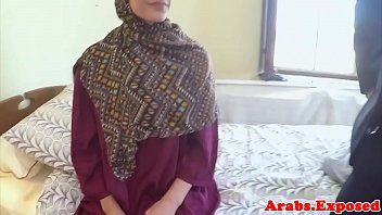 Veiled muslim amateur doggystyled pov