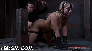 Masked beauty gets her billibongs bounded hard with toy drilling