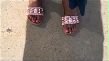 naomi rosy toenails