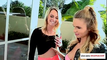 lilli dixon and her homie molly west at.