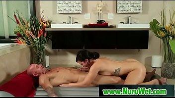 japanesse masseuse gived gusto in nuru.