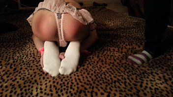 Twink Cross-Dress Asian Being Spank by Dominant