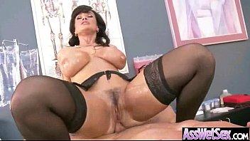 Huge Big Ass Oiled Wet Girl Get Her Ass Nailed vid-16