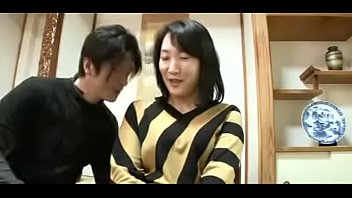 Mature Asian Japanese Mom Squirts And gets Creampie