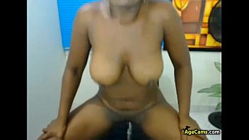 Black-latina MILF Playing with Dildo Webcam Porn