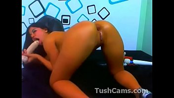 beautiful latina webcam anal toy